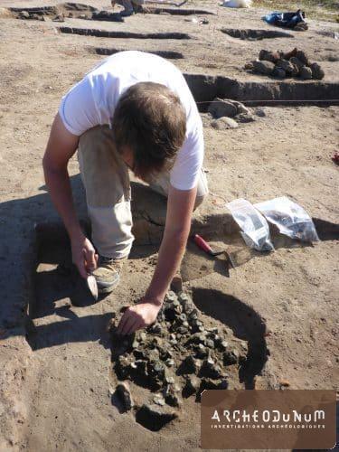 Fouille d'un dépôt monétaire gallo-romain