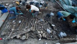 Fouille des sépultures en cours