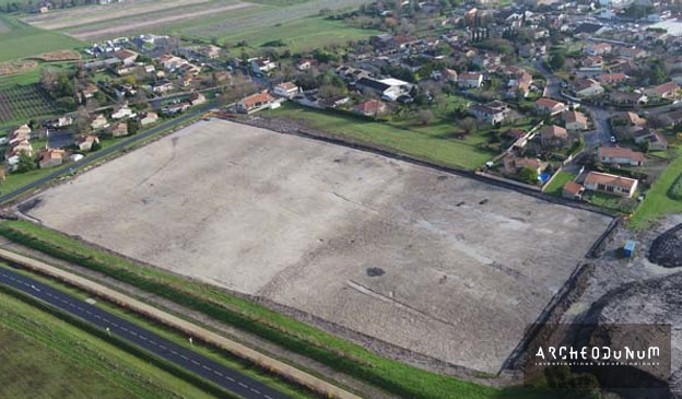 Vue d'ensemble de la zone en cours de fouille. © 3DR View pour Archeodunum