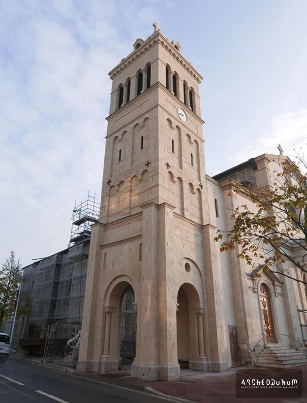Le clocher roman restauré