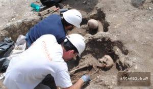 04 – Fouille de deux squelettes