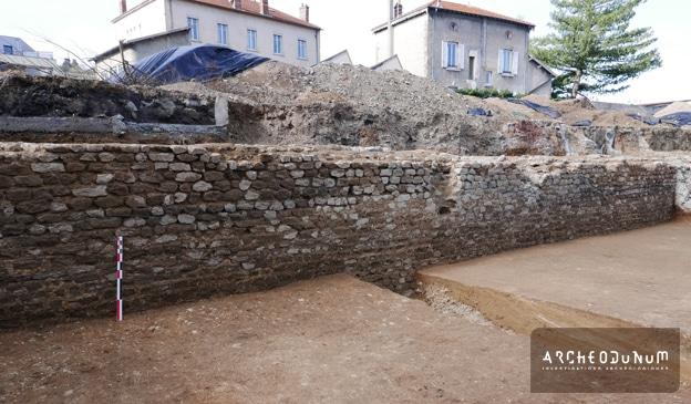 Fig. 3 : Mur de terrasse.