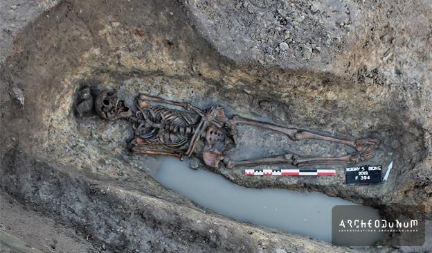Fig. 9 : Tombe retrouvée dans le secteur nord.