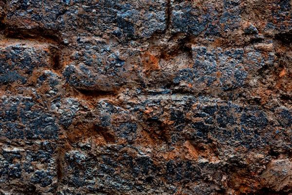 Villars-les-Dombes - Détail des briques vitrifiées du four. Cliché Flore Giraud
