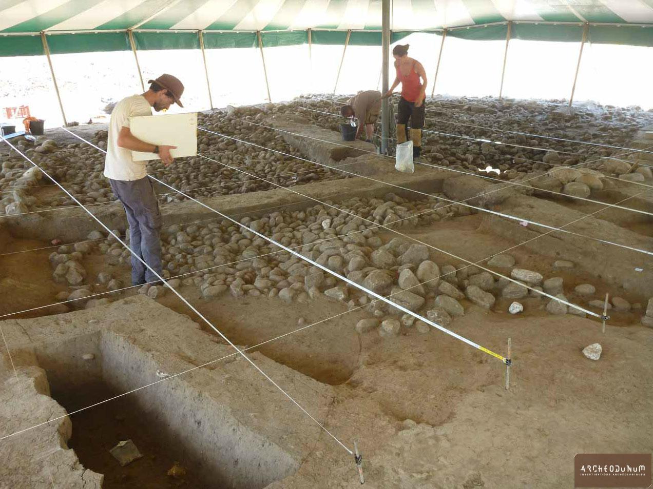 Villette d'Anthon - Relevé en cours des aménagements de galets