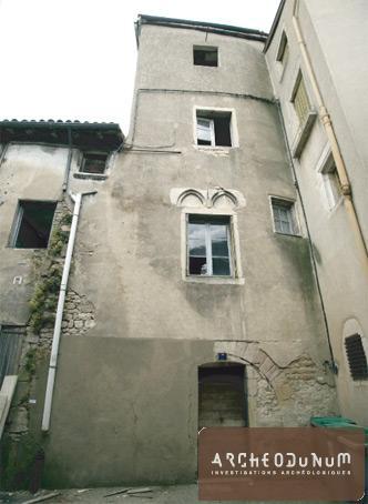 Vue de la façade sud de la maison no 6 rue Greuze, avant intervention.