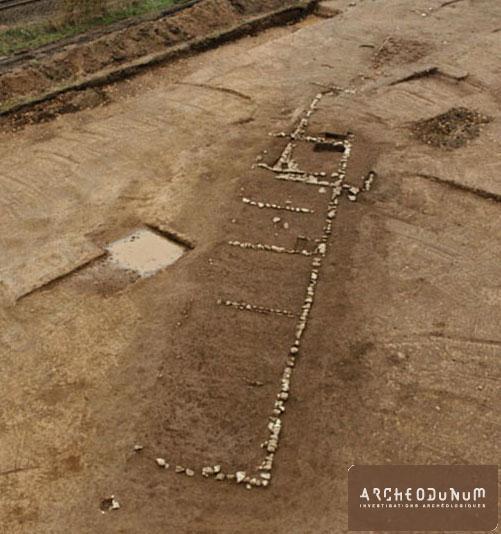 Un des bâtiments de l'établissement agricole vu du sud-est (Cliché Kaparcheo)