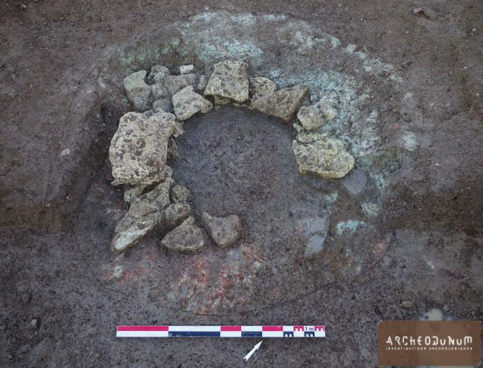 Le puits mis au jour au nord-ouest de la zone bâtie.