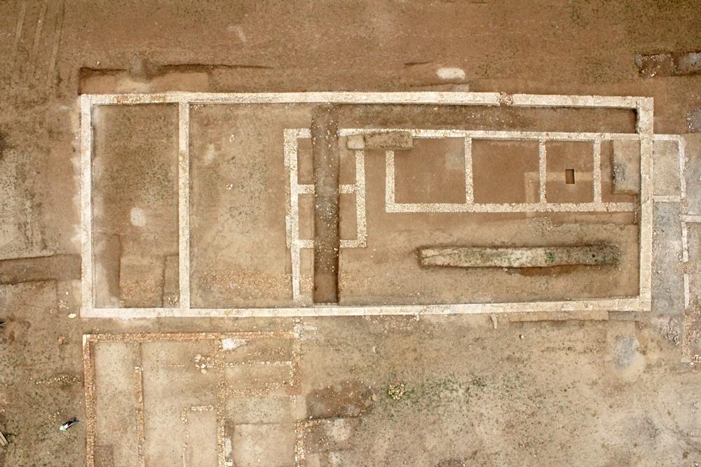 Vue drone verticale de l'entrepôt. (cliché M. Chagny)