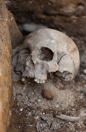 Montbrison - Détail de sépulture (Cliché Flore Giraud)