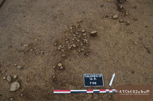Empierrement Mésolithique constitué de galets et caillouti