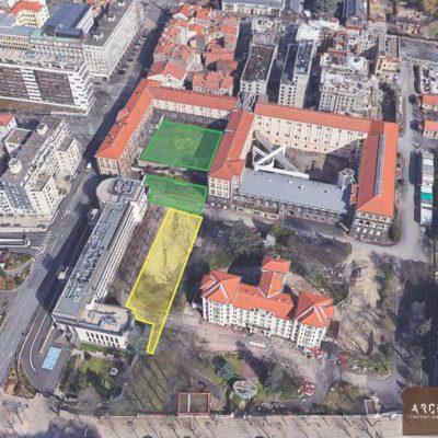 L'Hôtel-Dieu et les zones archéologiques vus du ciel. En jaune, la fouille en cours. (Google Earth et Archeodunum)