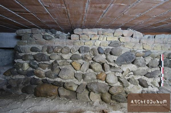Vue d'un mur de la villa antique