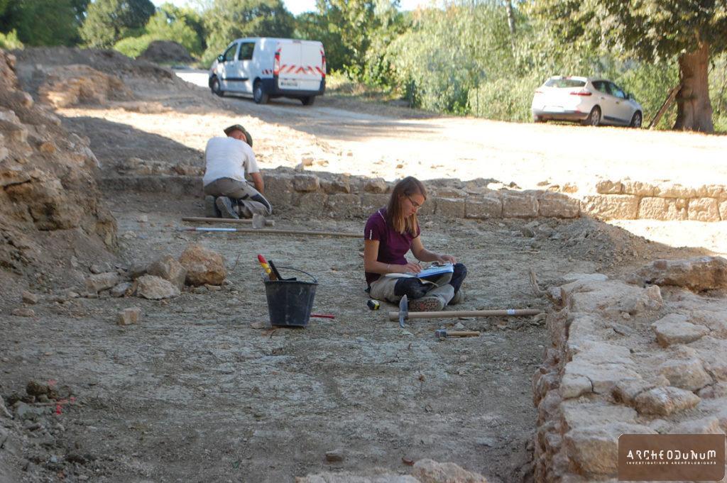 Travail en cours sur les vestiges de l'Orangerie