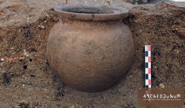 Fig. 8 : Pot miniature sans doute lié à un défunt